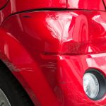 Wat te doen bij cosmetische schade aan jouw auto